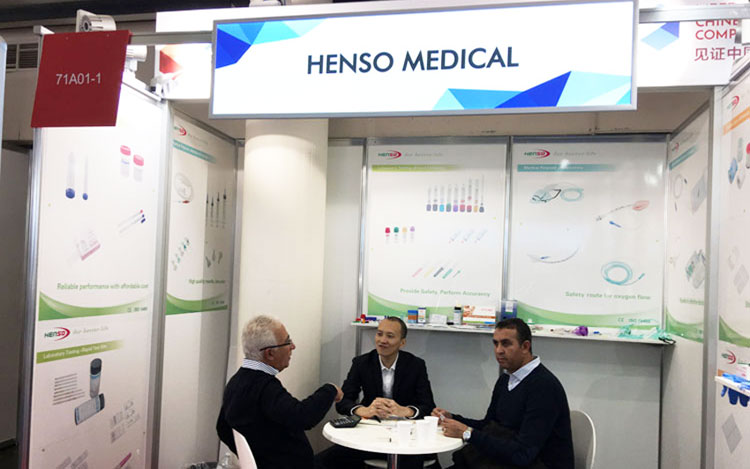 Hocky discuss cooperation with medical distributor