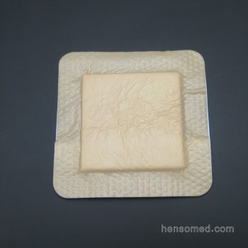 Soft Silicone Foam Dressing with Adhesive Border (1)